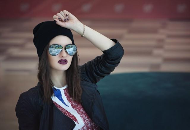 Липецкие девушки раскрыли секрет позирования в солнечных очках — Вести48 a3f02c0d1ac